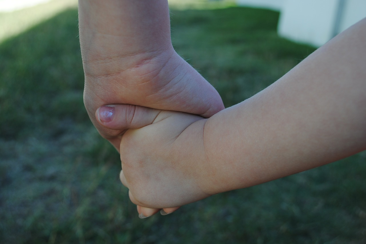 hands-634363_1280